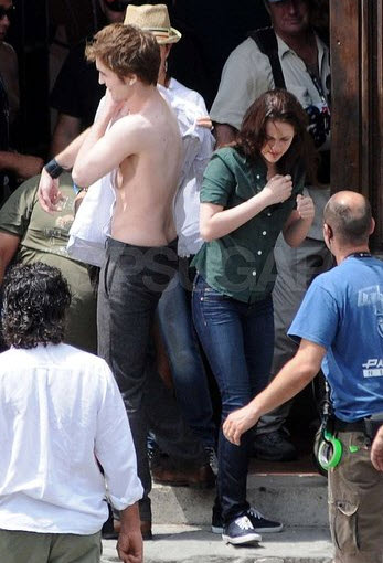 Kristen Stewart And Robert Pattinson Kissing In Public. 2010 Kristen Stewart arrives
