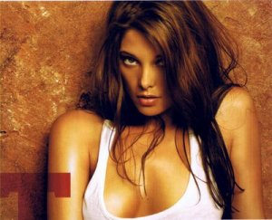 93734_AshleyGreene_Maxim_Dec08_02_122_1183lo