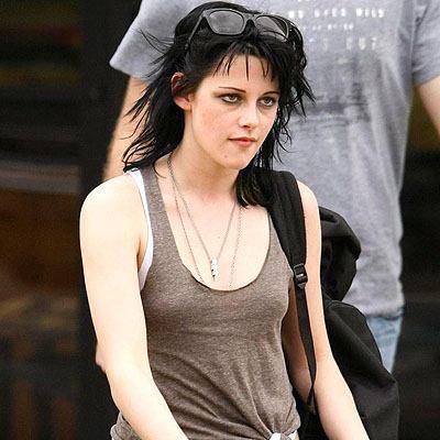Kristen Stewart Haters on Kristen Stewart  Love Her  Or Hate Her     Letters To Twilight